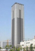 天空の超高層タワー